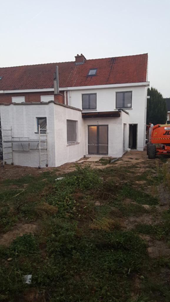 PVC ramen en deuren plaatsen