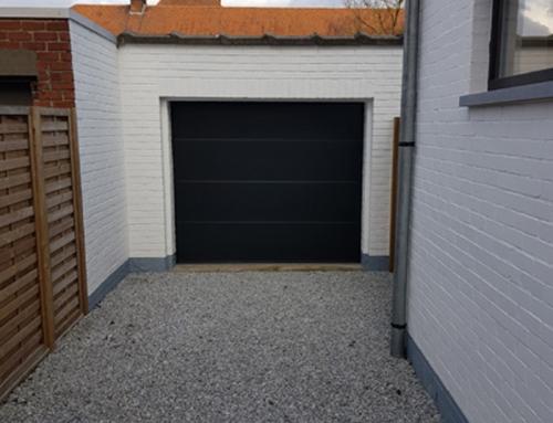 Alleenstaande woning in Harelbeke – Garagepoort